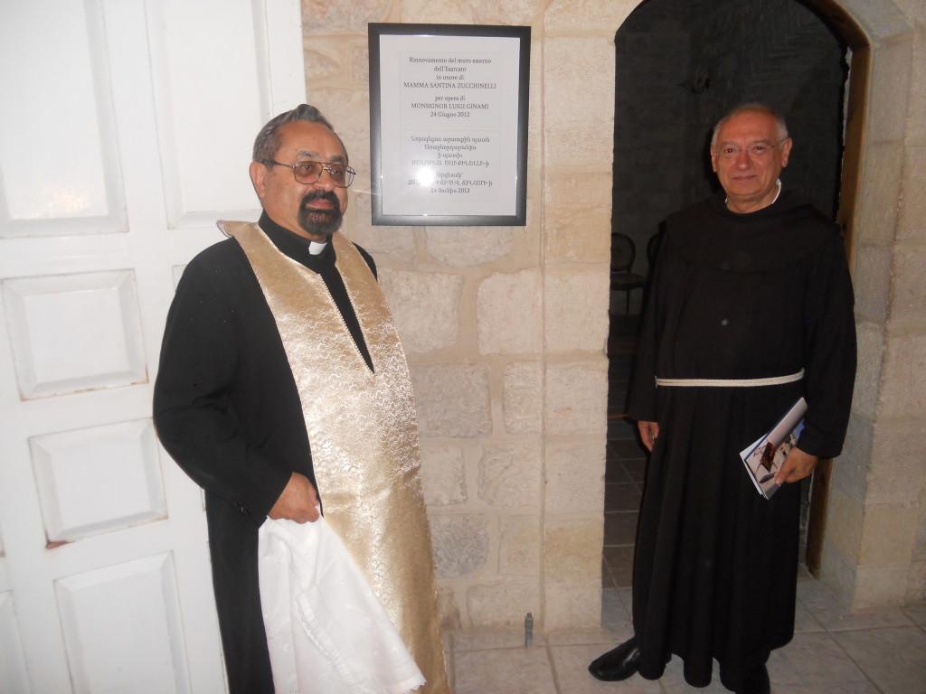 Mons. Kelekian e Padre Bottini scoprono la targa