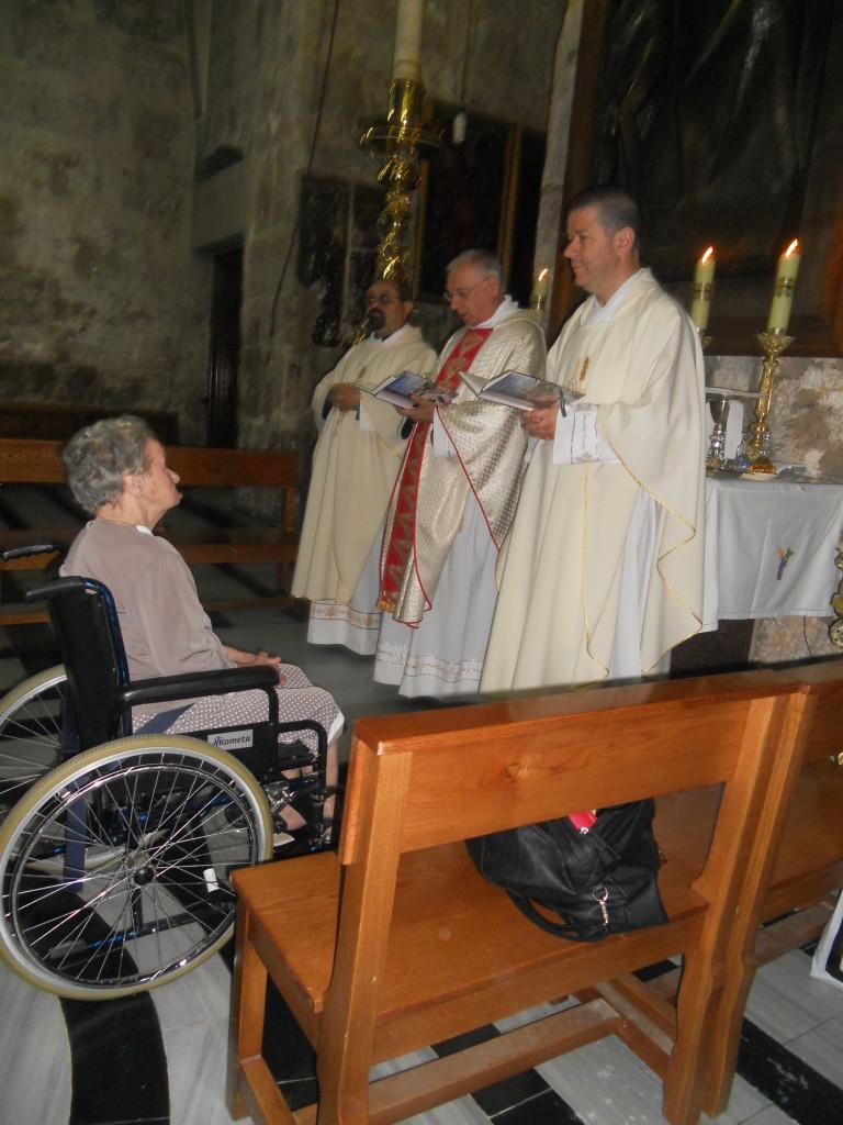 Santina durante la S-Messa per l'Unzione dei Malati all'altare della Maddalena